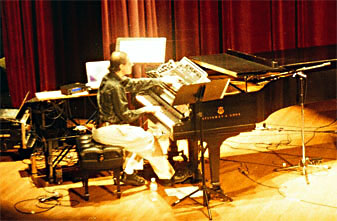Gluck piano performance